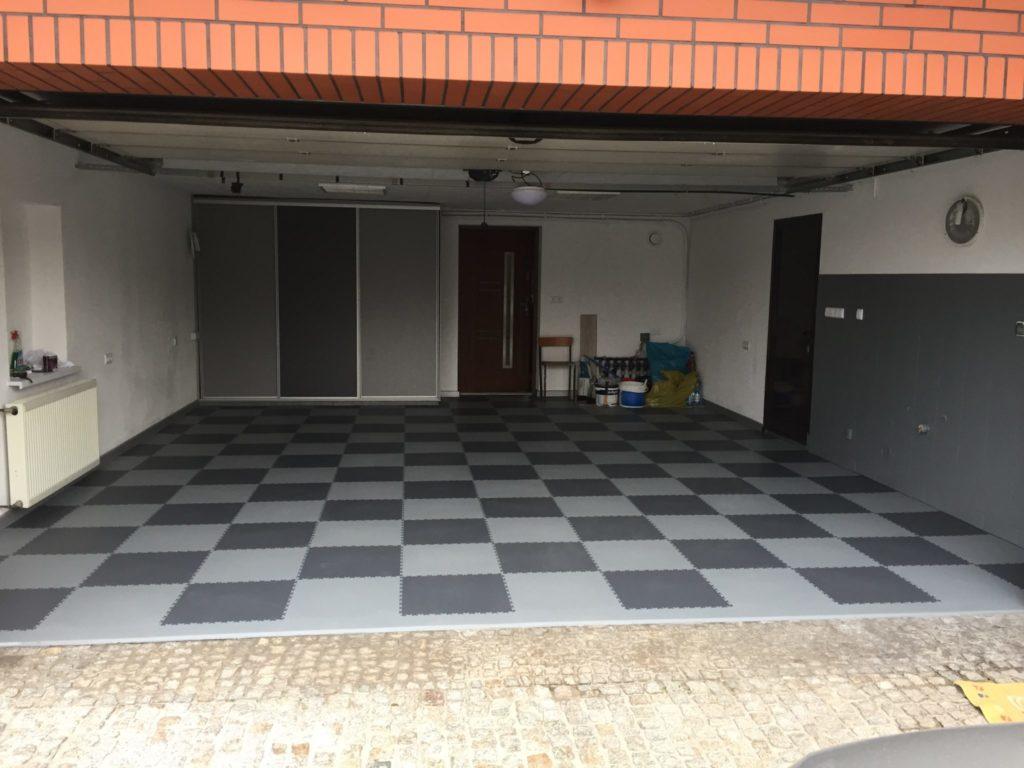Garage, Polonia
