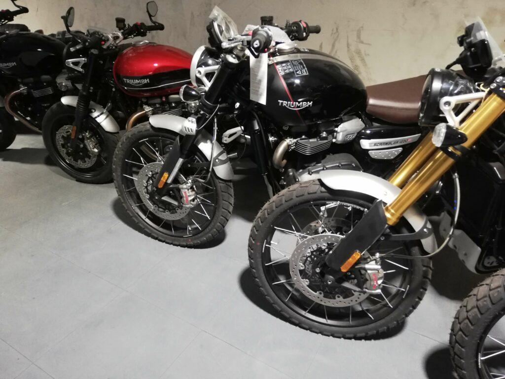 Negozio di motociclette, Italia